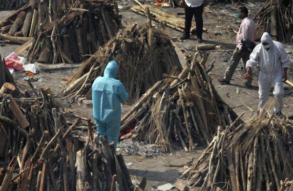 دهلی نو، محل سوزاندن اجساد جانباختگان. آوریل ۲۰۲۱. عکس از Shutterstock