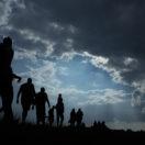 مهاجرت، با پای پیاده، عکس از Shutterstock